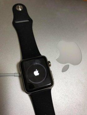 札幌に引っ越す前のAdobe MAXでアンケートに答えたら、いつのまにか抽選に当たっていていただいたApple watch。