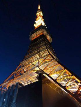 還暦バージョンの赤い東京タワーを間近で見ようと行ってみたら、昨日までのライトアップでした。