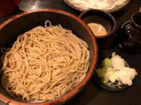 信州の蕎麦はとにかく量が多いそうで。