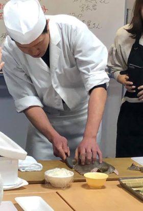 今日はなんと浅草神社で和食教室をしているというので、見学に行ってみました。